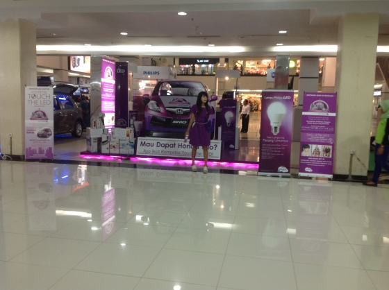 Booth Philips di Palembang Square