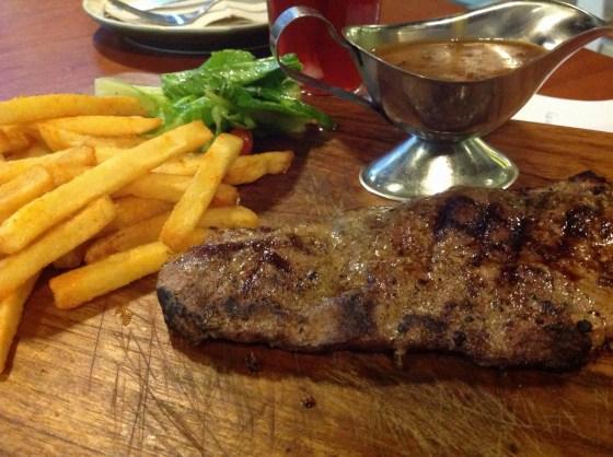 sirloin steak - sekitar 150 ribu