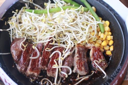 pepper steak ~ Rp. 113.6.36, sebelum pajak.