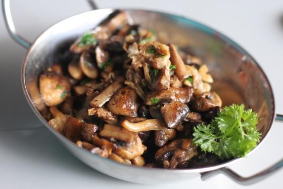 sautee mushroom - IDR 25K