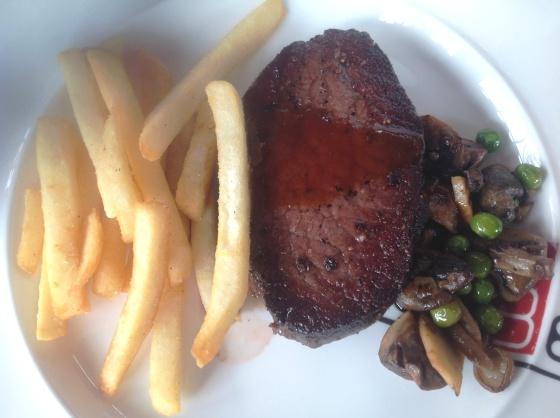 paket makan siang: wagyu+saute vegetables + fries - Rp. 88.000,-