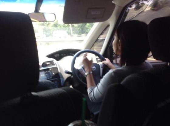 Driver kami yang cakep banget. #eaaa #sayangfitri