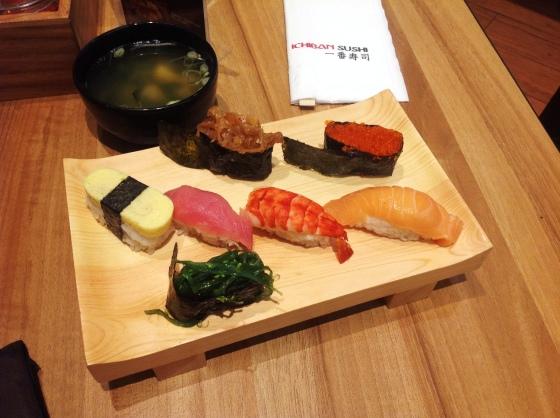 sushi set - Rp. 55.000,-
