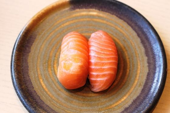salmon sushi - Rp. 22.000,-