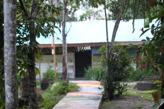 di belakang museum kata juga ada replika SD Muhammadiyah Gantong