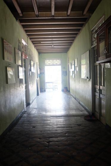 Koridor di lantai satu