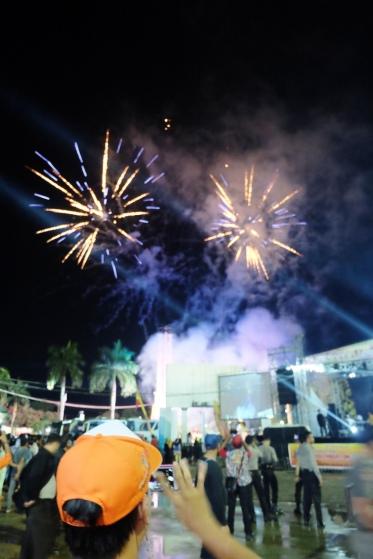 Kembang api pembukaan Musi Triboatton 2016