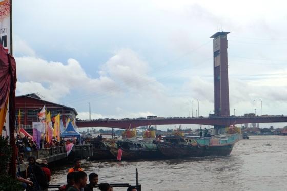 Motherboat alias perahu jukung untuk menyusuri sungai Musi dari etape awal hingga akhir