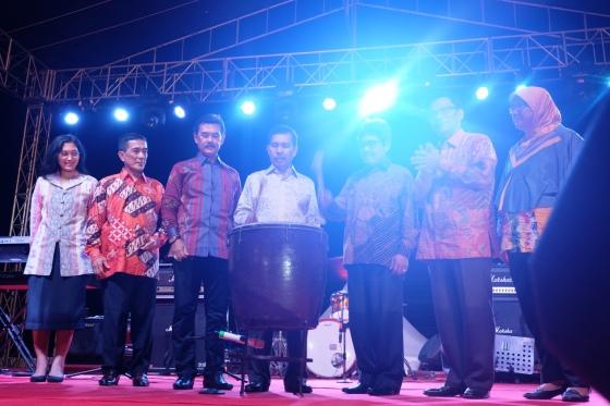 Penutupan Musi Triboatton 2016 oleh Wakil Gubernur Sumatera Selatan