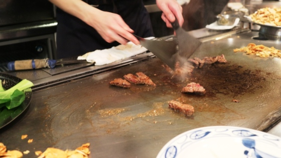 proses memasak Kobe beef