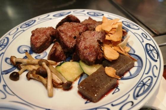 Kobe beef minus tauge dan bok choy yang baru disusulkan kemudian